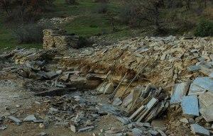 Alexandroupolis - unterwegs - die Straße ist der Steinbruch