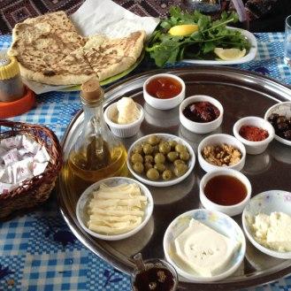 Bazlama und Kahvalti
