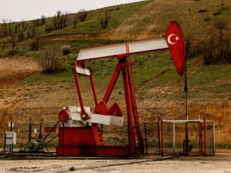 Erdölförderung in Mesopotamien - vgl. Asterix Die Odysee