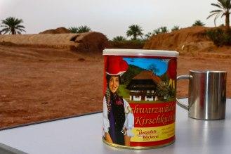 Schwarzwälder Kirsch Torte in der Wüste