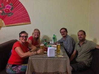 in Bischkek beim Chinesen mit Emman & Andy