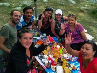 Noori & friends - Picknick bei Koi Tash