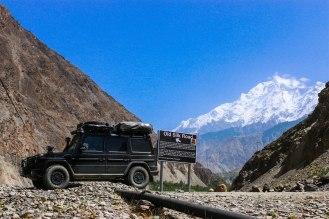 auf den Spuren der alten Silk Road - im Hintergrund der Rakaposhi 7.788 m