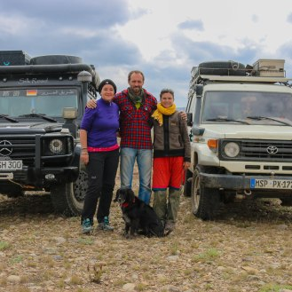 Martina aus Deutschland, seit 14 Jahren! in der Welt unterwegs, mit ihrem Hund Perla