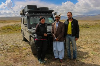 mybeastgoeseast und Hassan Sadpara, National Hero of Pakistan (Bergsteigerlegende)