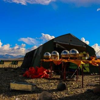 Verpflegungsbereich im Camp des Jeep Club Muzzafarabad