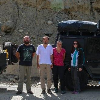 wir treffen Emil und Claire am Babusar Pass 4.170 m - unsere Reisegefährten in Myanmar