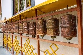 Gebetsmühlen bei der Kardang Monastery
