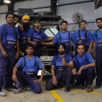 Mercedes-Benz India gute Arbeit Männer