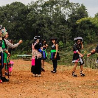 die Jugend zwischen Tradition und Moderne in Laos