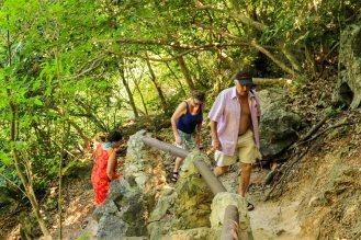 steiler Aufstieg zur Phraya Nakhon Cave