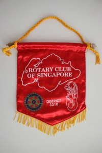 Wimpel des Rotary Club Singapore