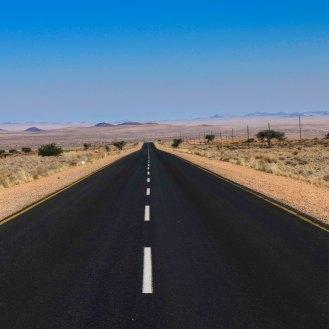 Straße nach Lüderitz durch die Namib