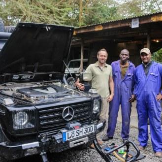Hilfe der HATARI Mechaniker